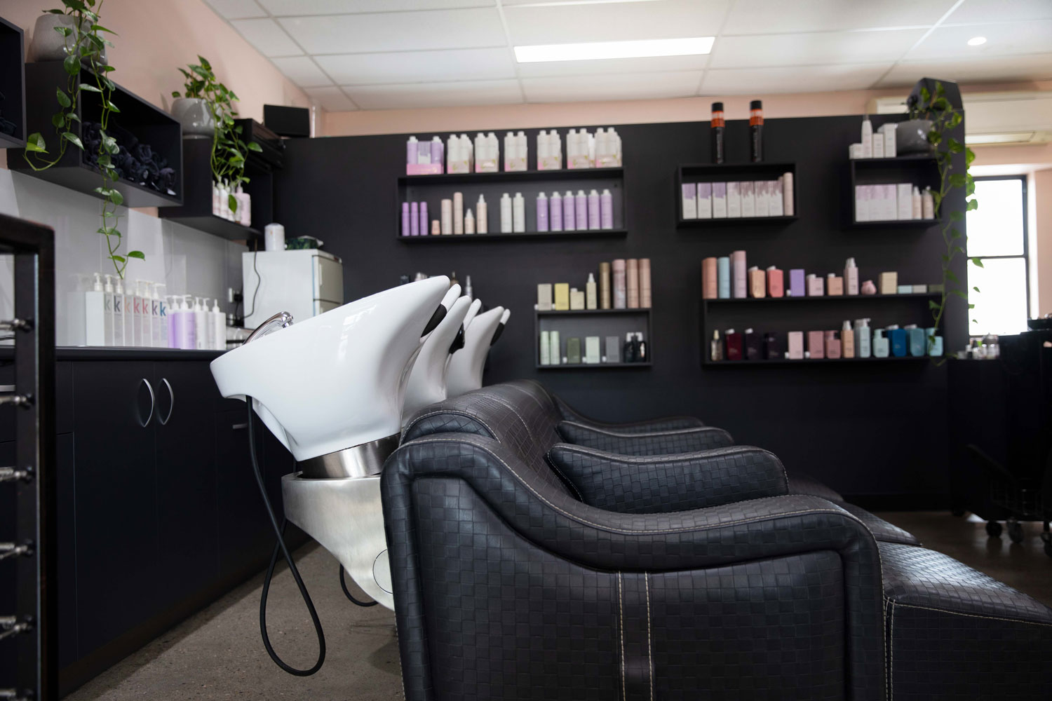 bhair salon shampoo and coloring area